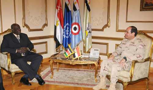 Defence Minister Abdel Fattah Al-Sisi met with South Sudanese Defence Minister Kuol Manyang Juuk